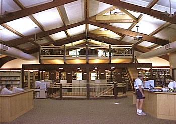 Warren Wilson College Library / Shelley Mueller Pew Learning Center